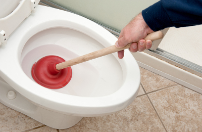3 EASY FIXES FOR A CLOGGED TOILET