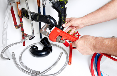 BE PREPARED FOR DIY PLUMBING WITH THESE 8 TOOLS